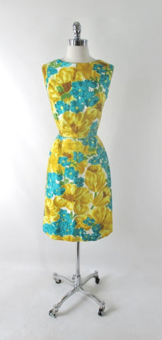 Vintage 60s Classic Floral Malia Hawaiian Sheath Dress M