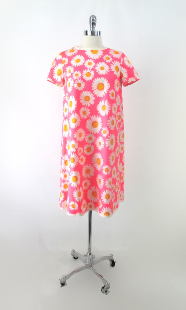 Vintage 60s Wrap-Arounder Pink Daisy MOD Dress M