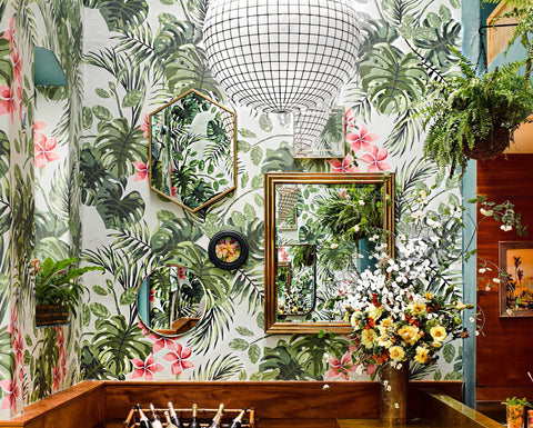Graphic wallpaper, tropical print in a restaurant