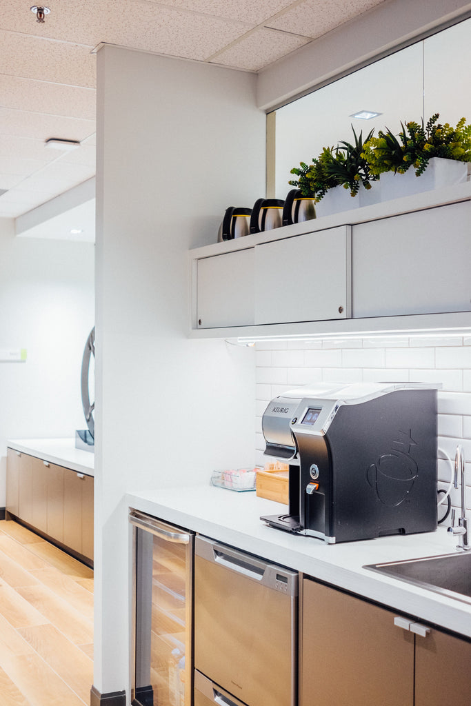 Soloway Wright Law Firm Ottawa Design - Kitchen