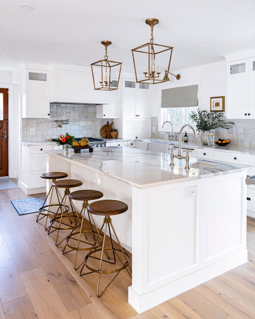 White kitchen with marble countertop
