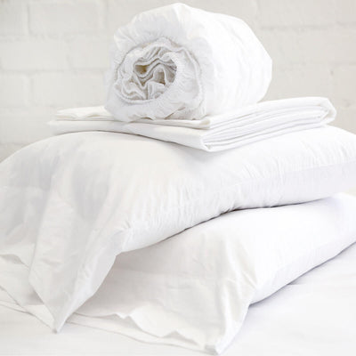 The Cotton Percale Sheet Set - White is a 300 thread count Egyptian cotton fitted sheet, flat sheet and pillow case set.