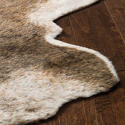Close up details of the Arizona Camel / Beige Cowhide Rug.