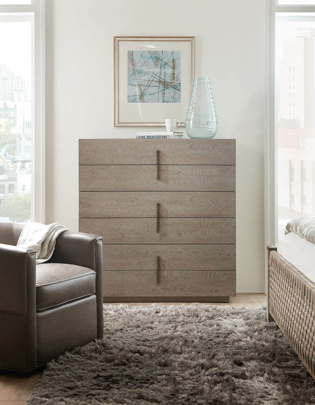 Modern, 6 drawers chest in a neutral bedroom.