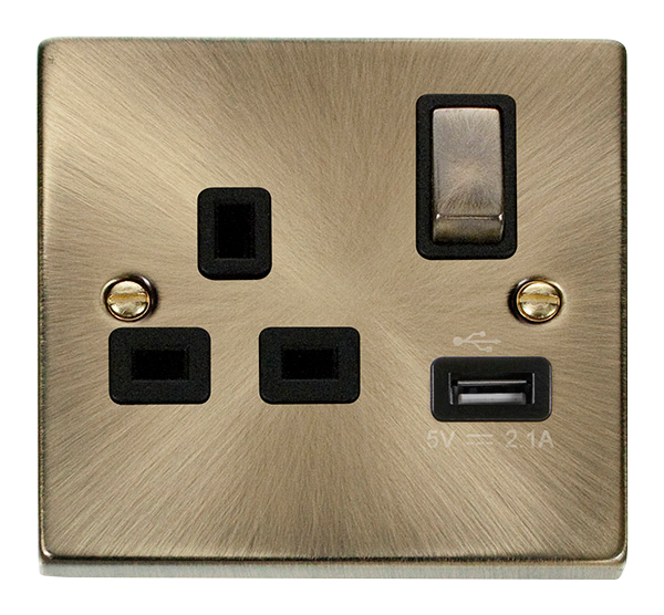 Deco Antique Brass - 1 Gang Switched Socket BK insert USB