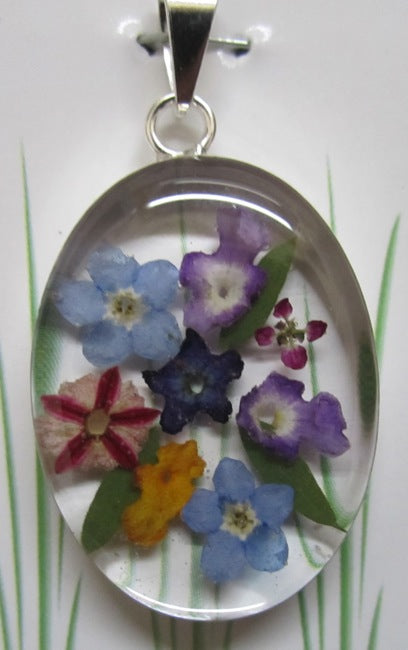Wildflower Oval Pendant