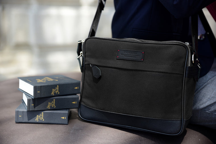 The Thyme Small Messenger in Jet Black is built from full-grain leather, organic canvas and YKK Japan zippers. With tech-friendly slots, it's your trusty companion for world travels and daily commutes.