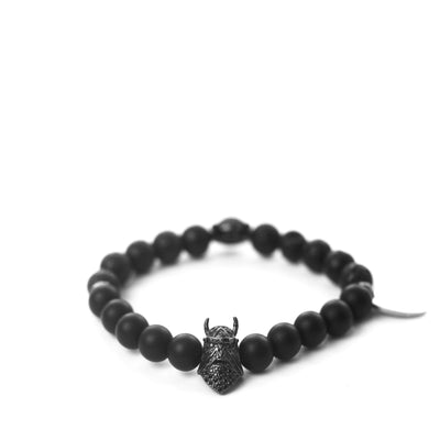 The Knightclaw zirconia stones bracelet in Obsidian Black offers two styles in one, allowing you to switch it up depending on your mood or the occasion