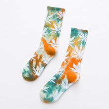 Load image into Gallery viewer, Men's Colorful Leaf Socks