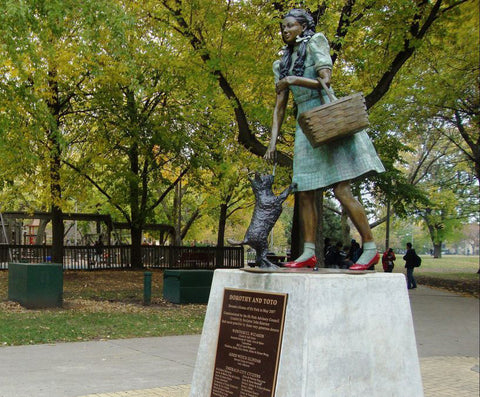 https://ozis.us/2020/07/29/lunch-picnic-in-chicagos-oz-park/