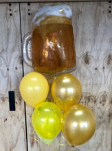 Load image into Gallery viewer, Fathers Day Beer Jug Balloon Bunch