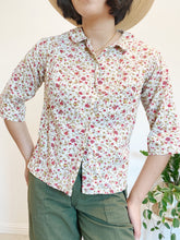 Load image into Gallery viewer, 1960s Floral Cotton Blouse