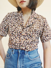 Load image into Gallery viewer, Sweet Floral Button Up