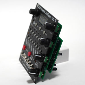 Super Sixteen eurorack sequencer module