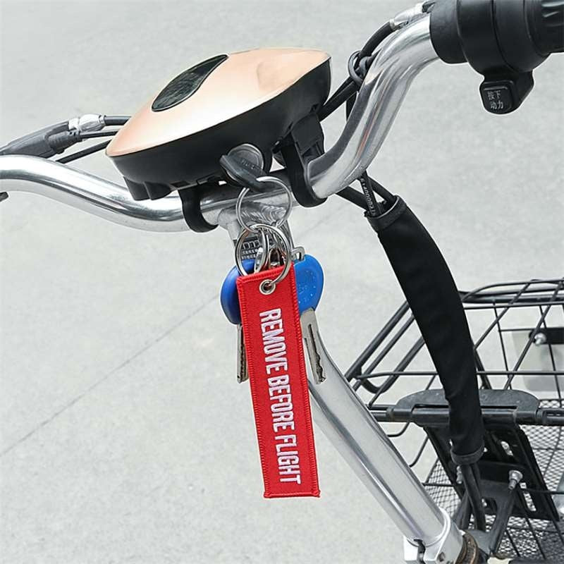 Remove Before Flight 3pcs/set Fashion Nuclear Launch Key Chain Motorcycles Cars Key Fobs Keyrings