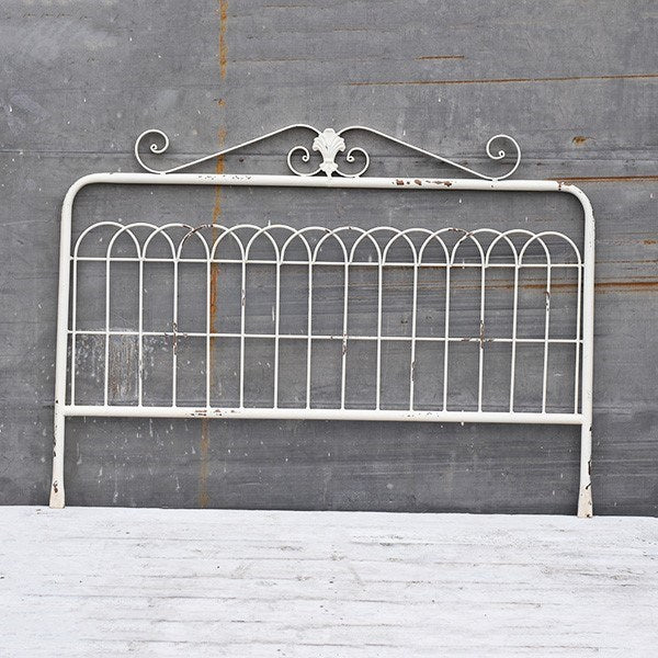Metal Garden Fence Style Wall Accent