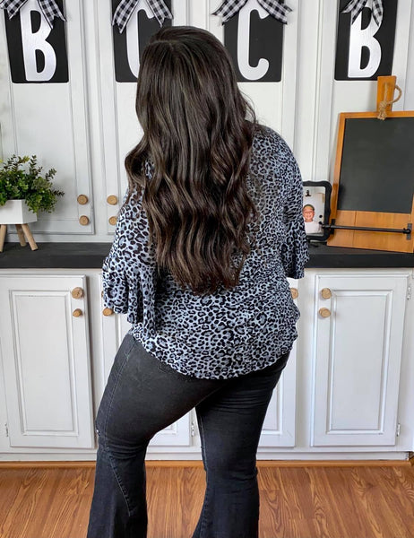 LEOPARD PRINT WATERFALL SLEEVE V-NECK TOP