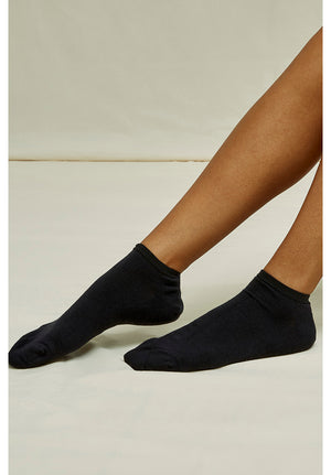 Open image in slideshow, Organic Cotton Trainer Socks in Black