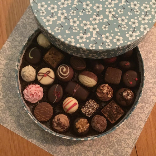 Luxury Round 'Cornflower' Mixed Chocolate Selection Box | Chocolat in Kirkby Lonsdale
