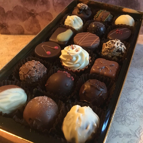 Large Luxury Mixed Chocolate Selection Box | Chocolat in Kirkby Lonsdale