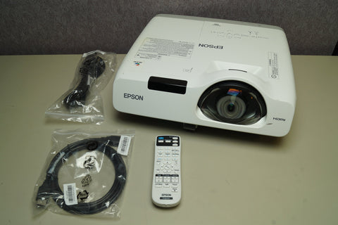 EPSON PowerLite 530 Projector *Working* 772 Hours W/ Power, HDMI, & Remote