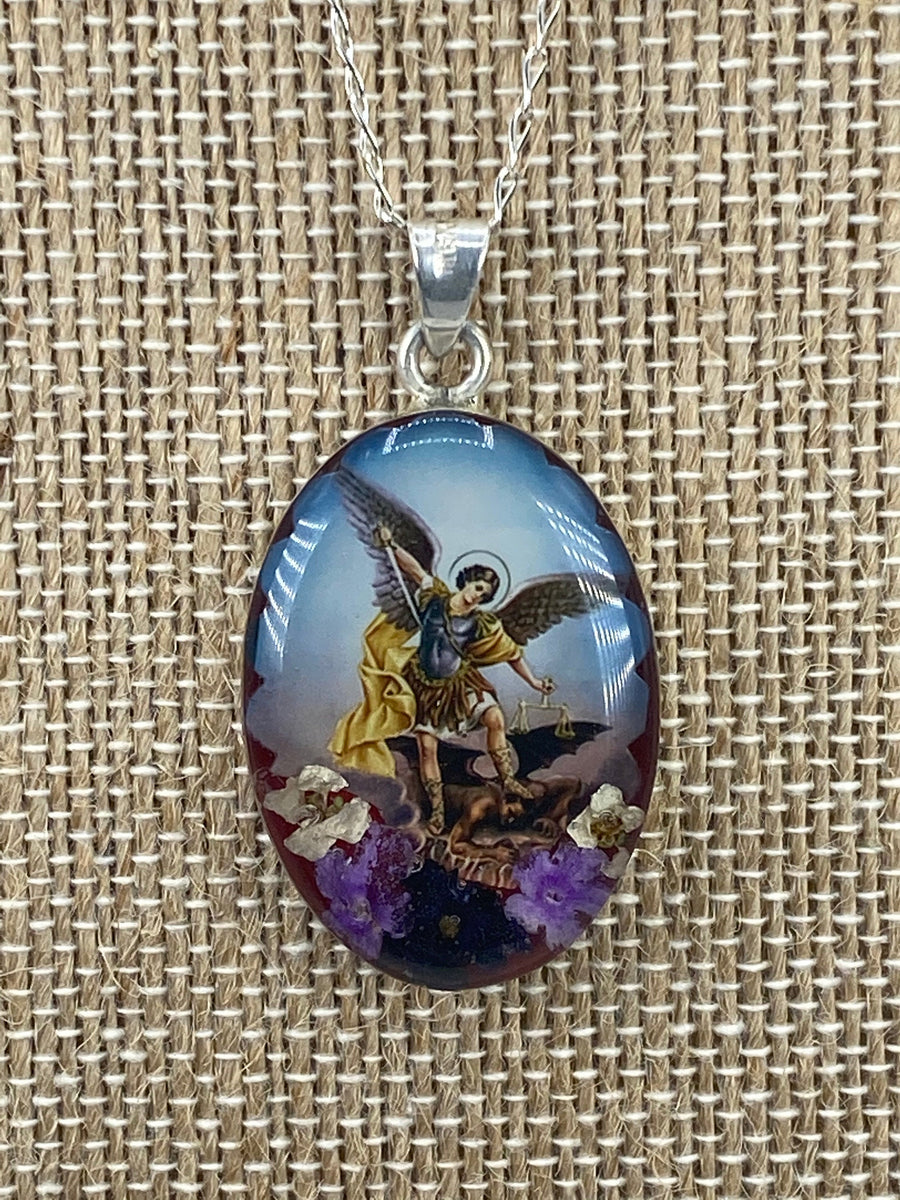 Saint Michael Archangel / San Miguel Archangel Oval   - Guadalupe Collection