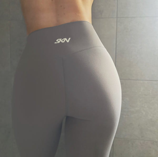 // SIGNATURE Leggings - Pale Grey