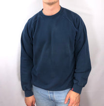 Load image into Gallery viewer, Vintage Levi Crew- M