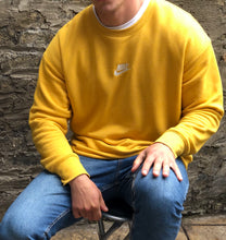 Load image into Gallery viewer, Nike Yellow Sweatshirt - L