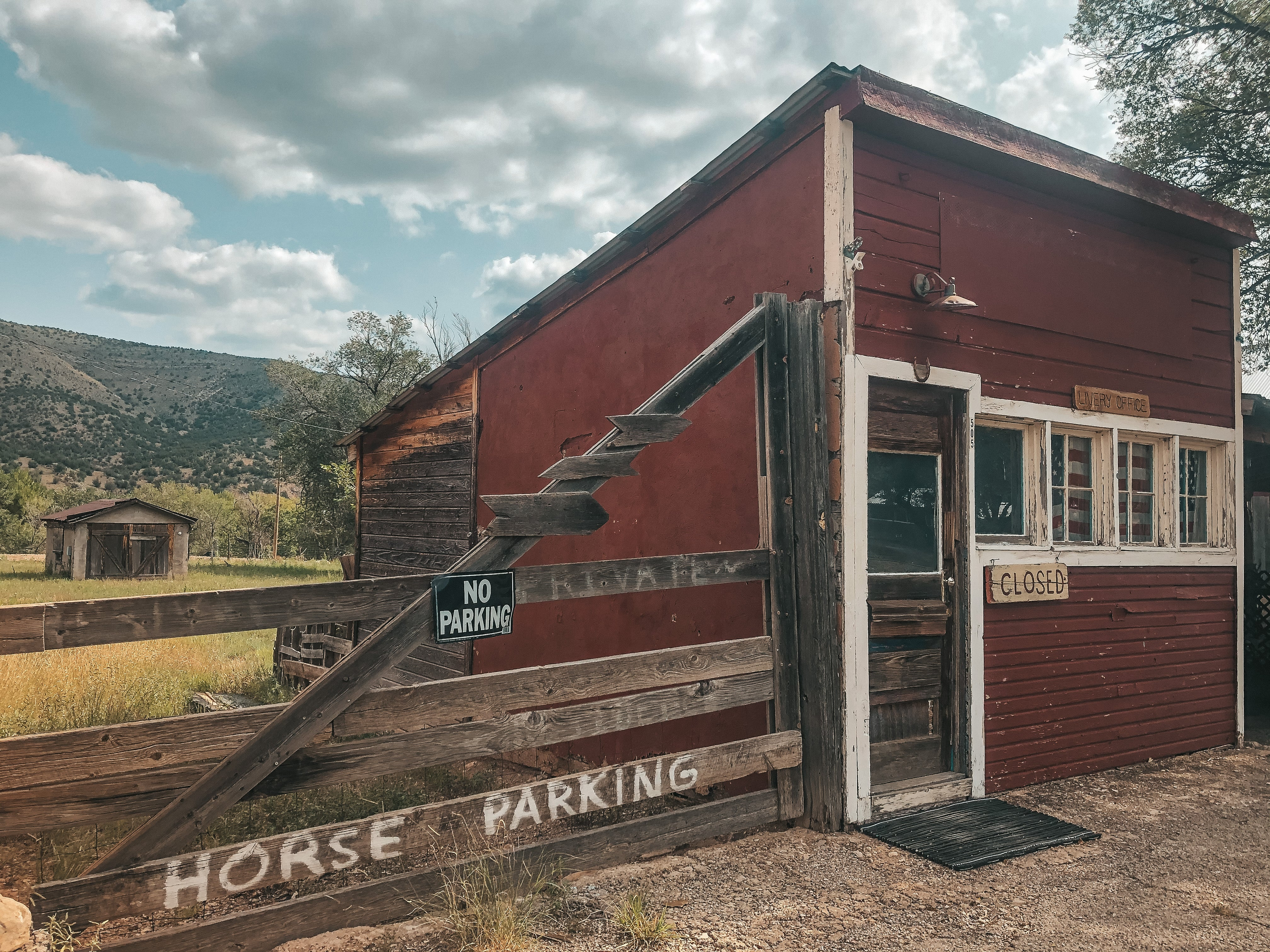 Horse parking in lincoln, NM