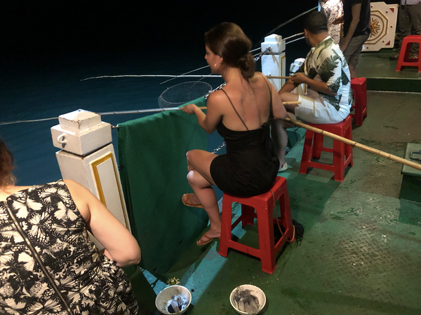 squid fishing in vietnam