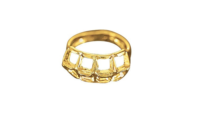 Geometric shaped ring