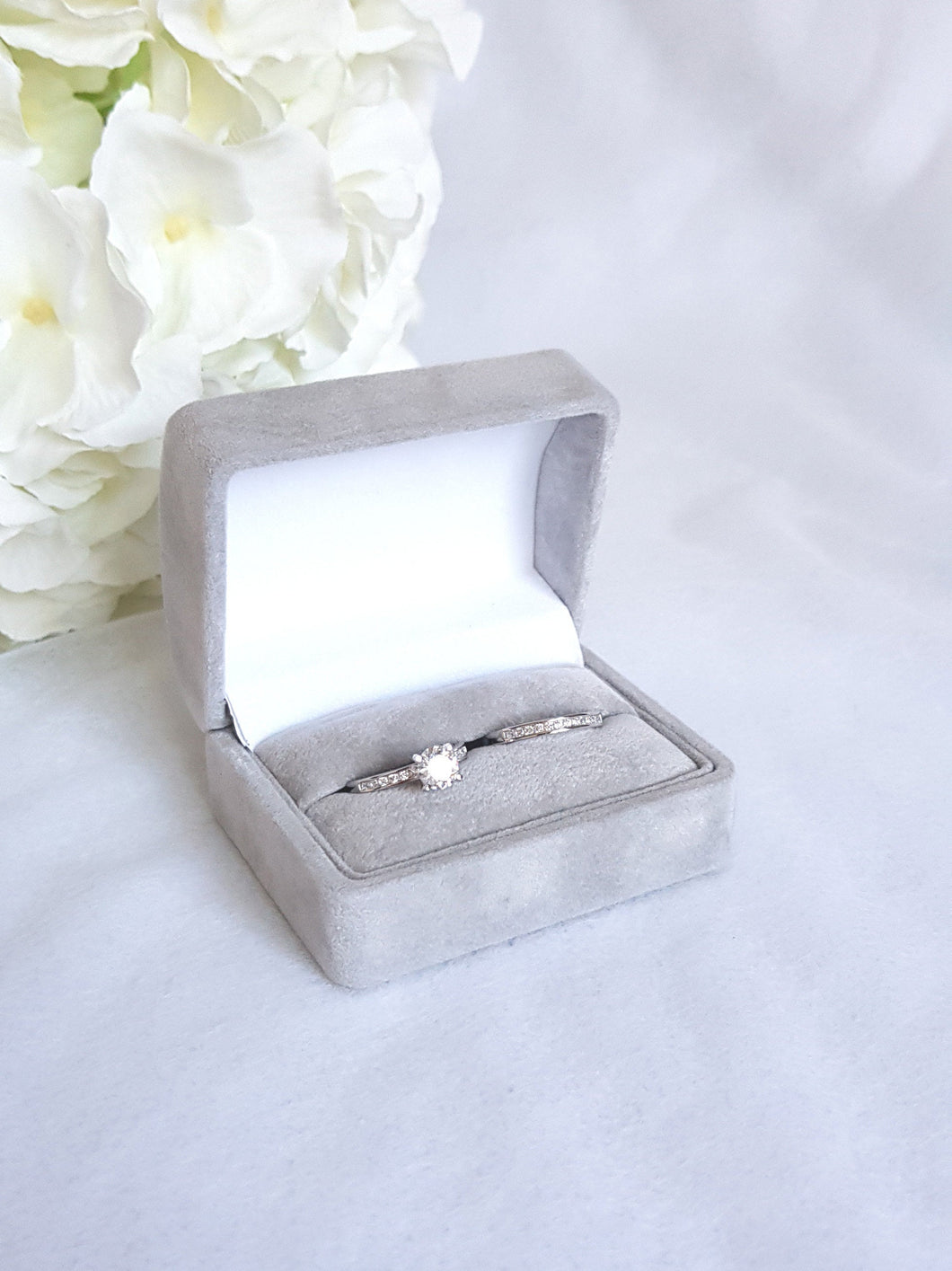Silver Grey Suede Double Ring Box 1