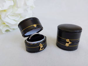 Black Vintage Style Traditional Heirloom Single Ring Box zoom