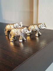 miniature, tabletop accent, brass, handcrafted, artisan crafted, elephant figurine made in India.
