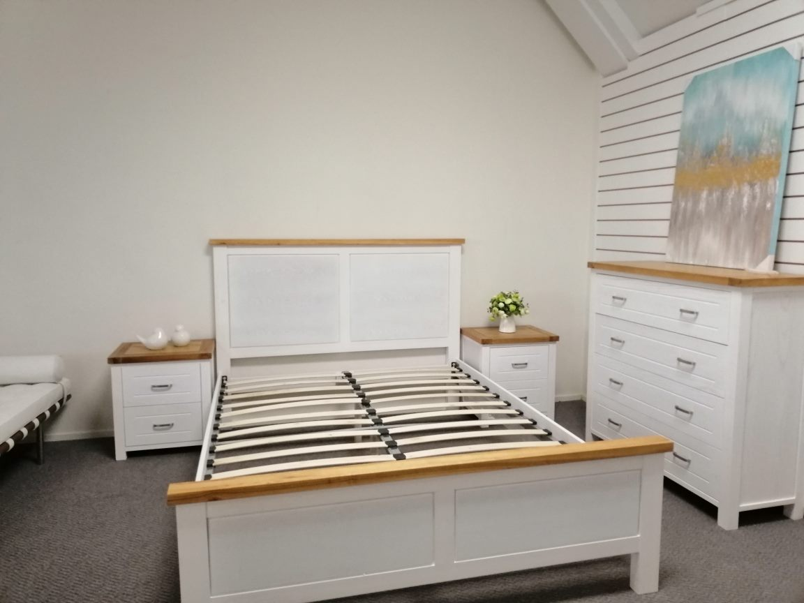 *MG*Arca Solid Wood Queen bed*Special*  available