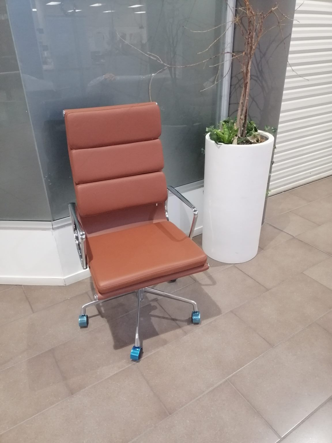 *MG*Eames Replica Soft pad Office Chair, Tan color in stock