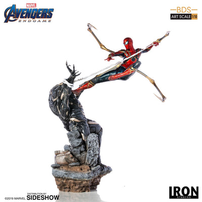 Avengers Endgame 14 Inch Statue Figure 1/10 Battle Diorama - Iron Spider VS Outrider Iron Studios 904782