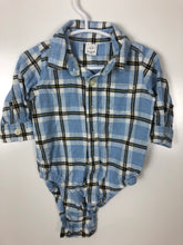 Load image into Gallery viewer, Gap flannel shirt onsie size 3-6 months