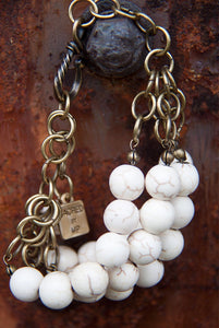SALE!!! CREAM HOWLITE AND BRASS CHAIN BRACELET