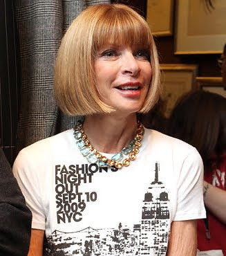 Anna Wintour Necklace and tee shirt.