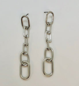 Lovely Links Earring