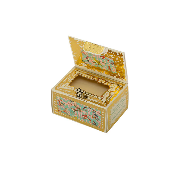 Molly's design is as fresh and abundant as the Jasmine and Orange fragrance contained within. This soap is presented in a beautiful gold embellished recyclable box.