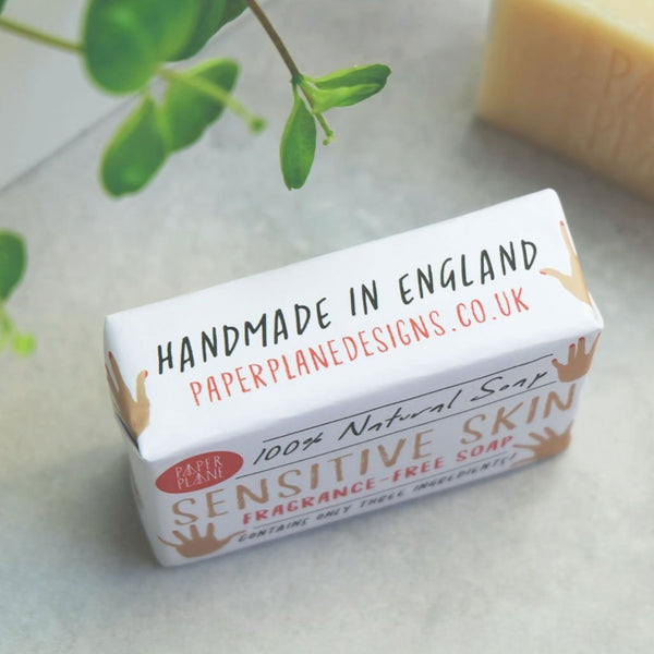 This 100% natural shea butter facial cleansing bar is simple and kind to sensitive skin. This luxury, handmade bar contains just three ingredients - shea butter, coconut oil and olive oil.  A thoughtful gift suitable for vegans. The paper packaging is secured with biodregadable clear stickers. No plastic. No palm oil. No sulphates. No triclosan. No phthalate. No cruelty. No worries.   Bar 95g minimum.  Contains: Butyrospermum parkii butter(shea butter), Sodium olivate (olive oil), Sodium cocoate (coconut oi