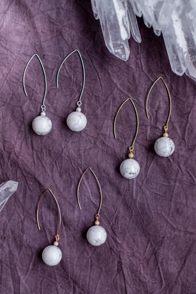 HERMENIA White Howlite Drop Earrings