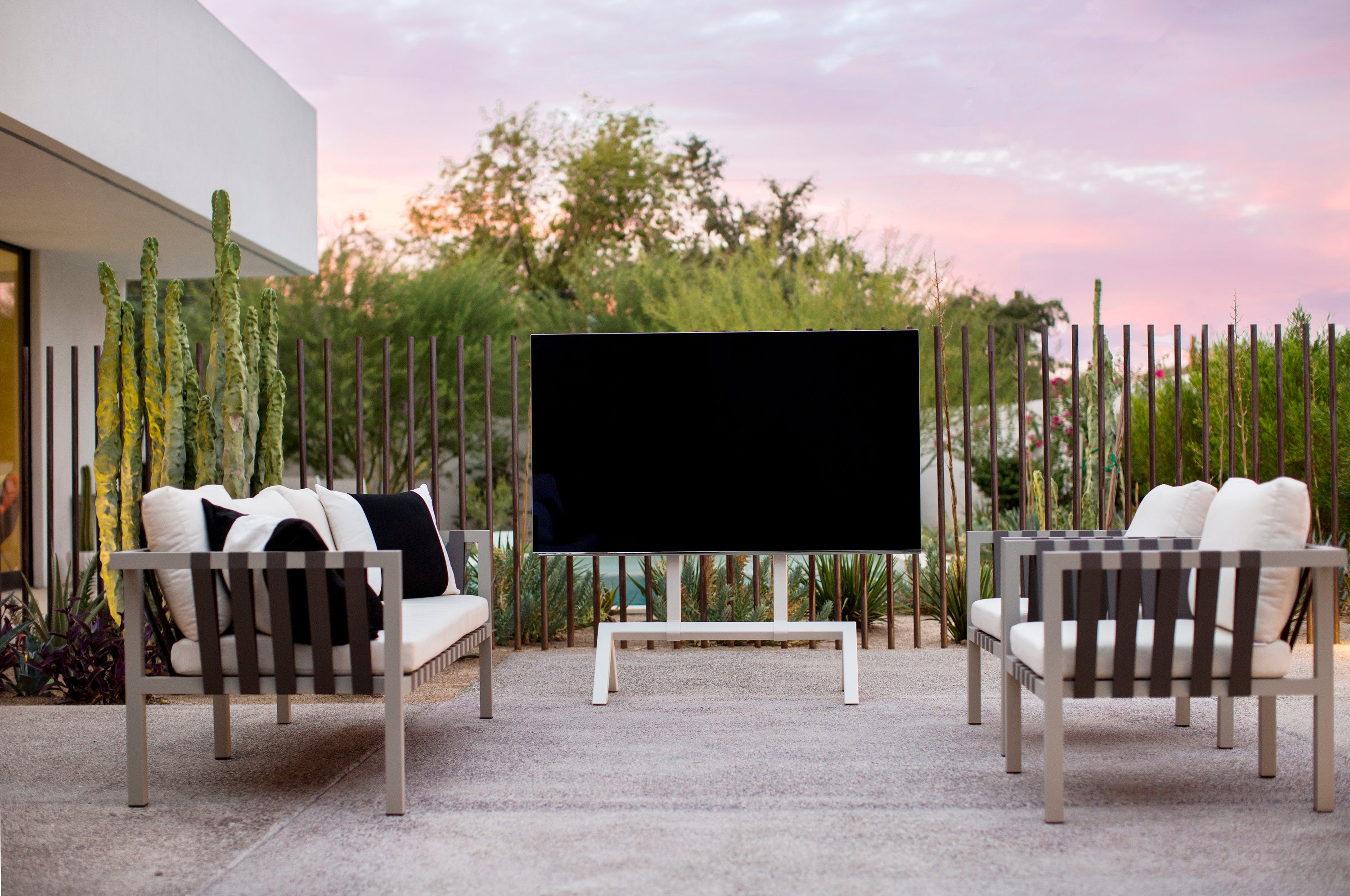 Heckler TV Stand Outdoors