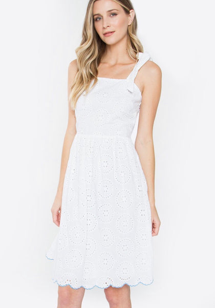 Poetic Eyelet Dress. White Color.