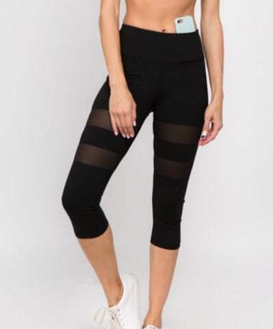 Women's Active Mesh Striped Single Pocket Capri Leggings. Black.