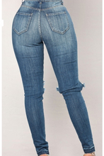 Load image into Gallery viewer, Chasity Jeans