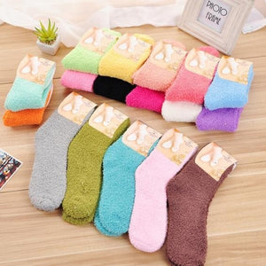 High Quality Soft Warm Floor Socks Candy Color Casual Slipper Socks Fuzzy Hosiery Women Coral Fleece Socks Home Feet Wear